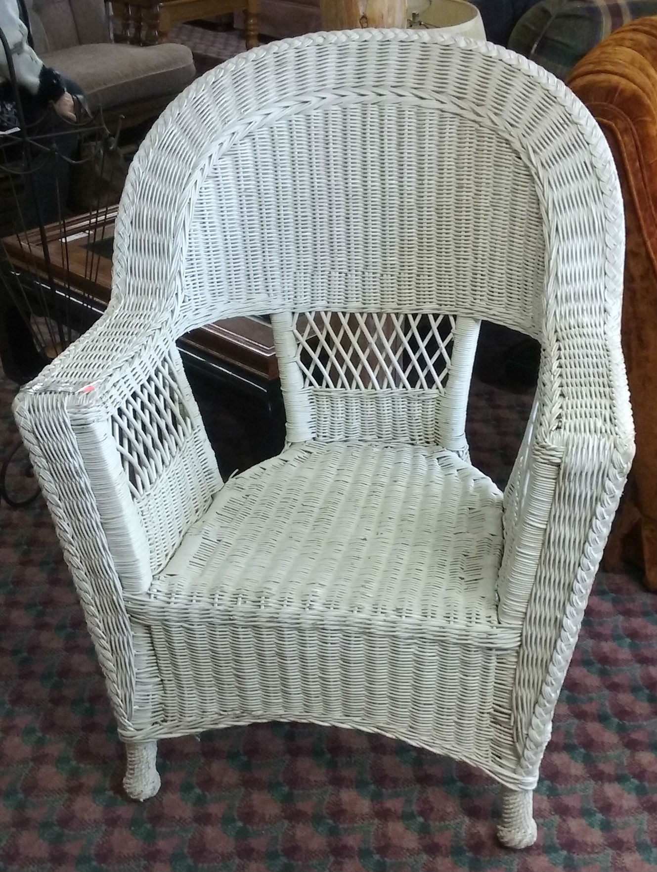 Furniture for sale at the la pine restore la pine restore for Recover wicker furniture